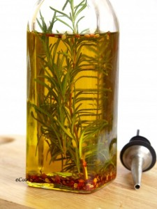 Rosemary infused olive oil: yummy AND beautiful! (ecurry.com)